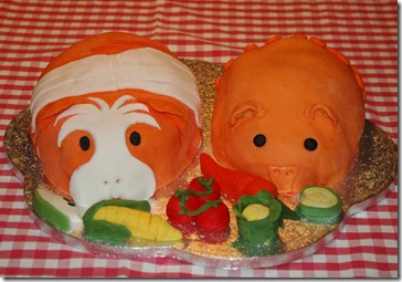 Birthday Piggy Cakes BP RI